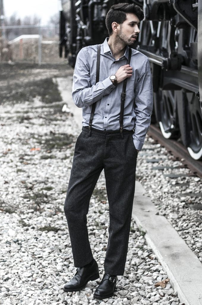 Dandy man wearing dress shoes elevated - Guidomaggi Switzerland