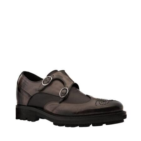 scarpa uomo elegante in pelle nera effetto invecchiato e dettagli in nappa