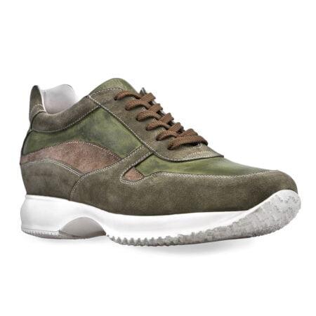 Sneakers verde oliva in pelle di vitello scamosciata