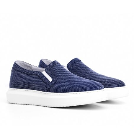 blue slip-ons in blue technic fabric 2