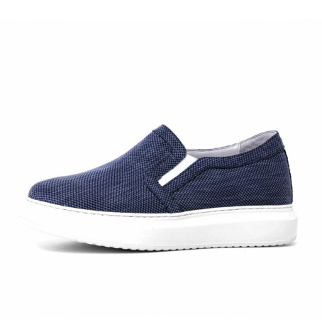 blue slip-ons in blue technic fabric 3