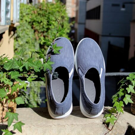 blue slip-ons in blue technic fabric 5