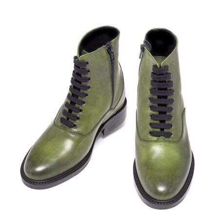 olive green classic boots made in leather 2