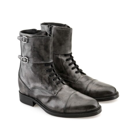 boots in grey aged leather 5