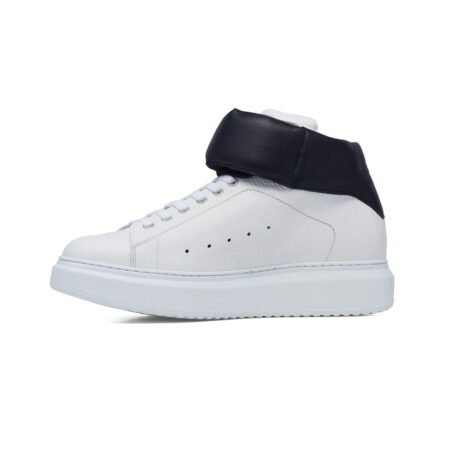 white sneakers with black stripe 3