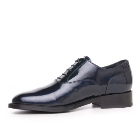 Oxford shoes in patent calfskin leather 3