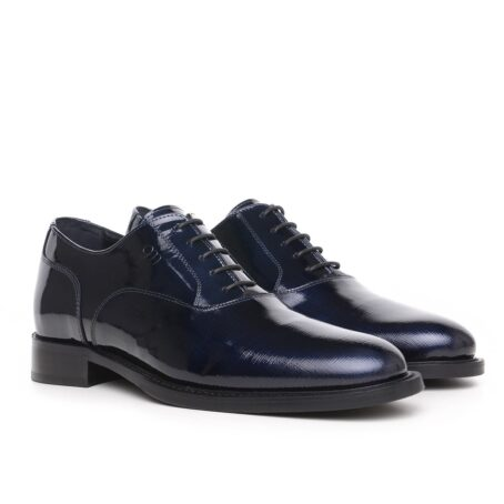 Oxford shoes in patent calfskin leather 5