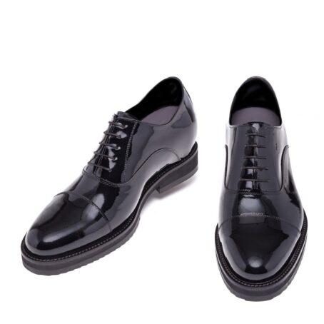 Patent oxford shoes for elegant men 2