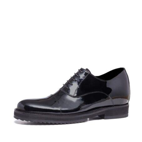Patent oxford shoes for elegant men 3