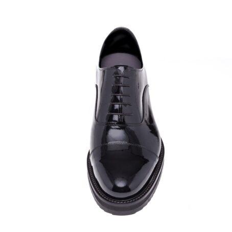 Patent oxford shoes for elegant men 4