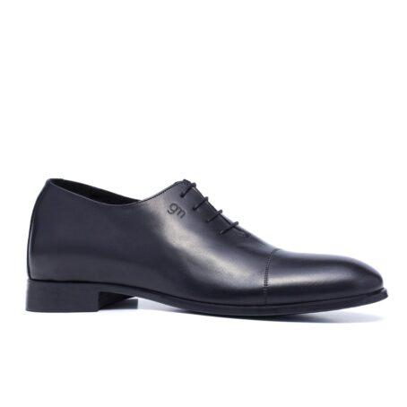 Black wholecut shoes 1