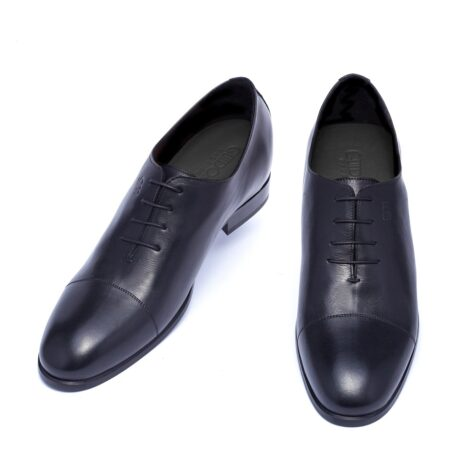 Black wholecut shoes 2