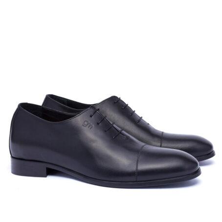Black wholecut shoes 5