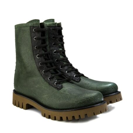 Man wearing green leather boots 5